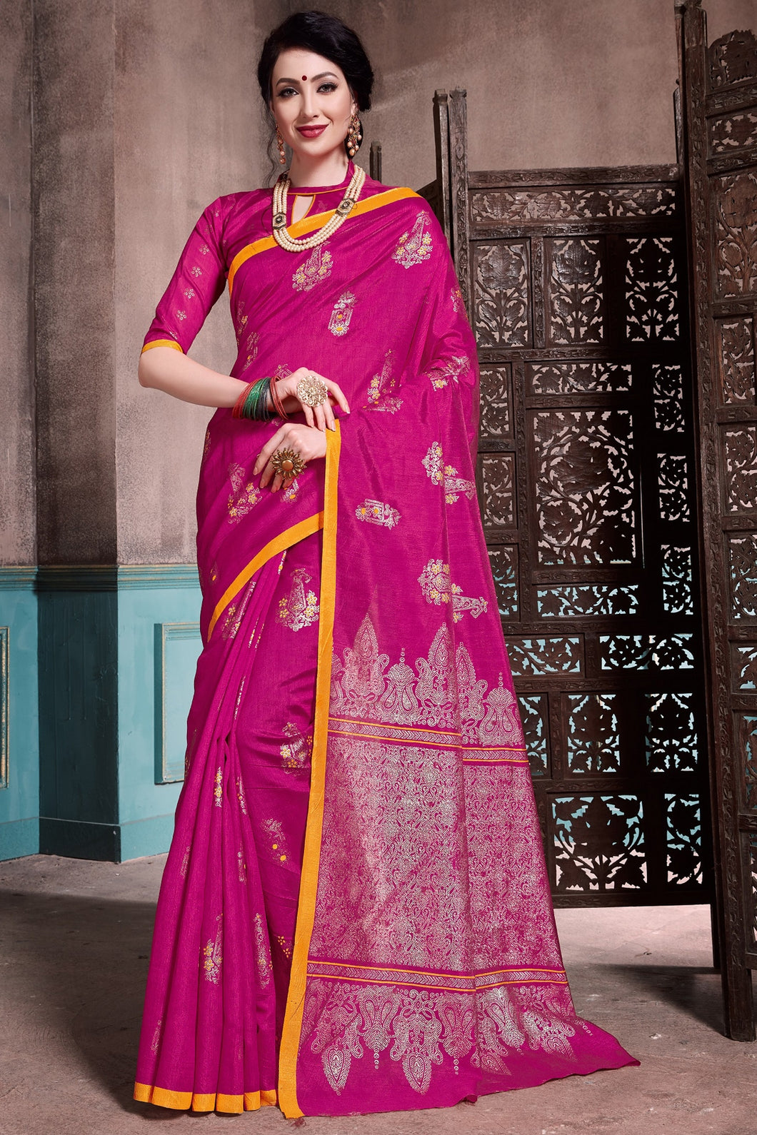 Bhelpuri Magenta Colour Patola Silk Saree