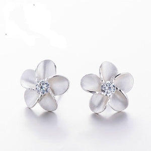 Cute 925 Sterling Silver Plumeria Stud Earrings