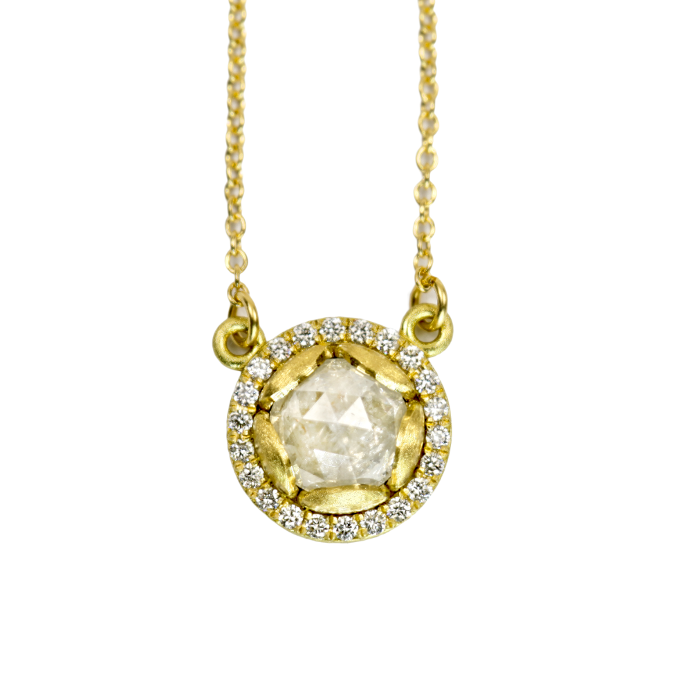 PETAL HALO NECKLACE WITH ROUND WHITE RUSTIC