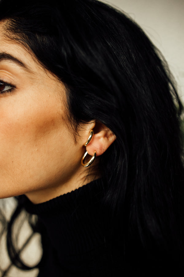 Sûr de Soi Hoop Earrings