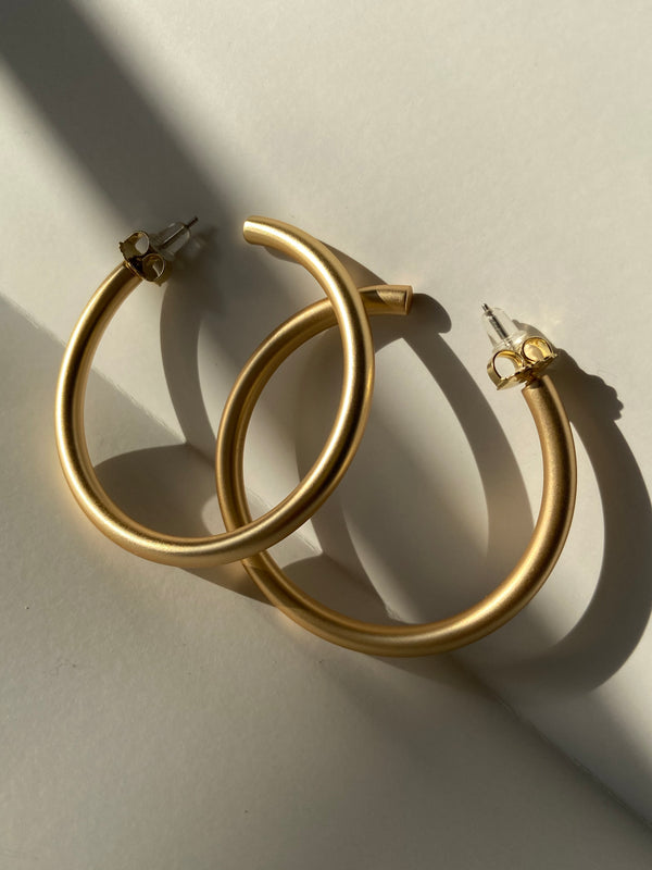 Ronni Large Matte Hoops