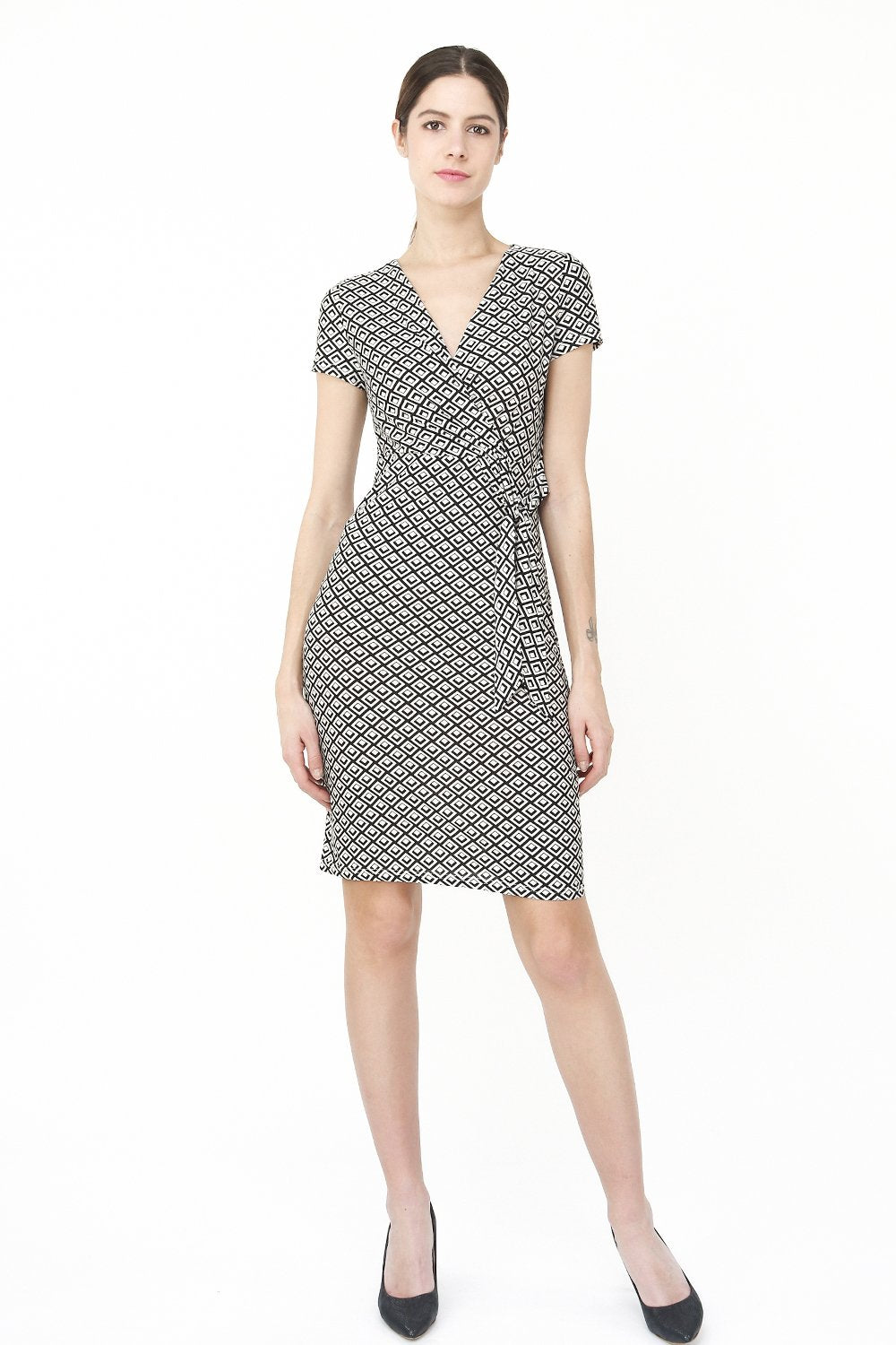 FAKE HEART-CACHE DRESS WITH SQUARED PATTERN