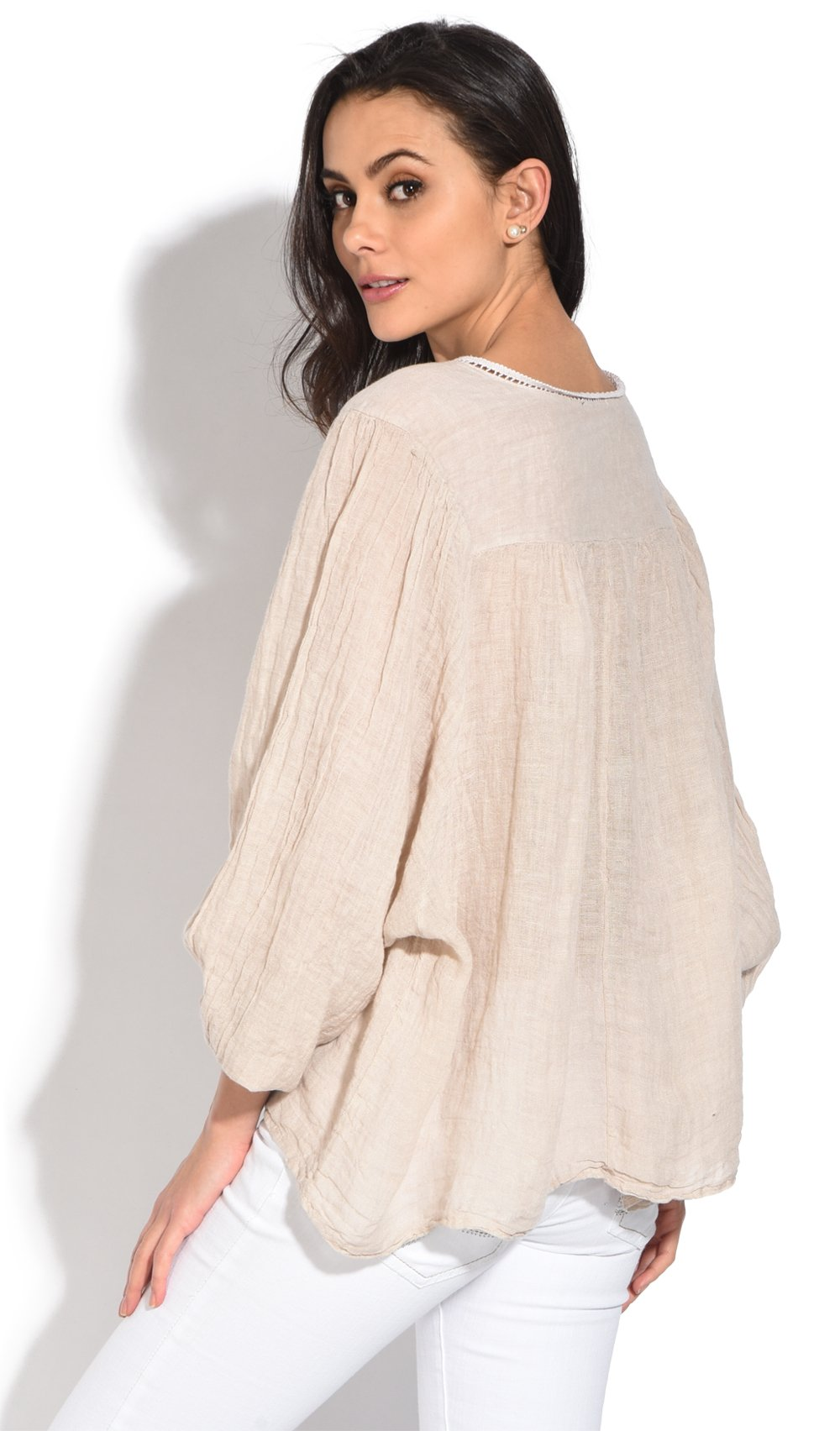 V-NECK TOP WITH LACE INSERT AND HALF-SLEEVES