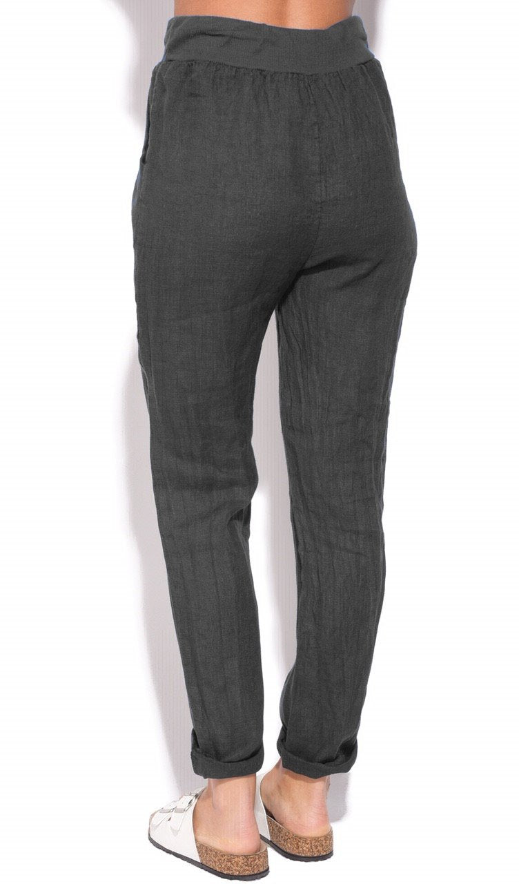FLUID FITTED CUT PANT WITH POCKETS AND DRAWSTRING