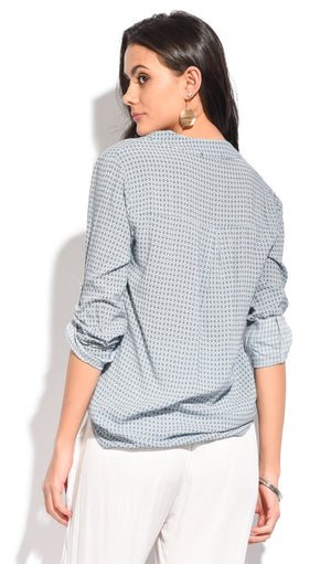 PRINTED PATTERN TOP WITH POCKETS AND SHIRT COLLAR