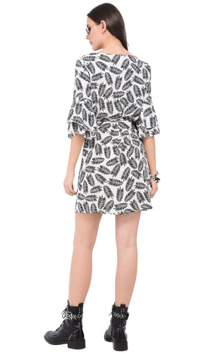 SHORT ROUND COLLAR DRESS WITH BI-COLORS PRINT AND RUFFLED HALF-SLEEVES