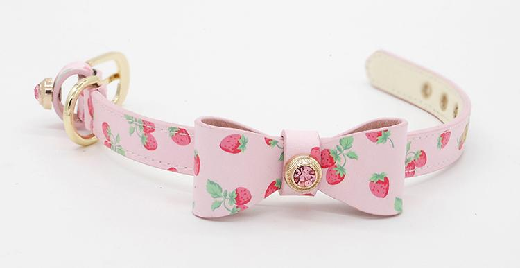 Pet Collar Big Bow Strawberry Pattern - LittleCutiePaws