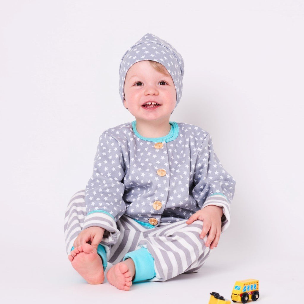 "Lined baby hat ""Stars Grey-white"" - Cheeky Apple"