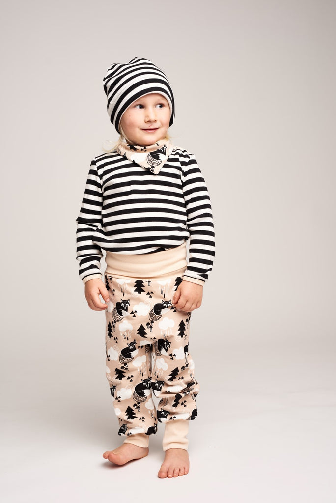 "Lined baby hat ""Black-white stripes"" - Cheeky Apple"