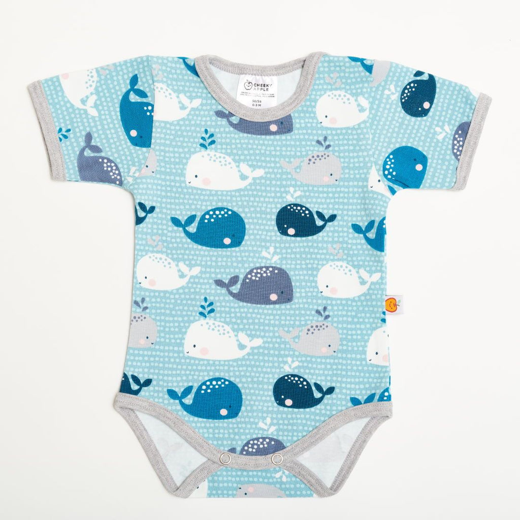 "Short-sleeve baby body ""Whales/Grey"""