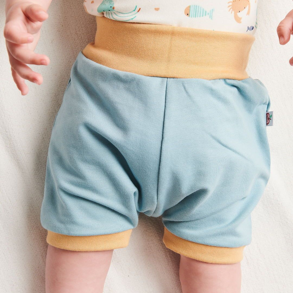 "Organic basic shorts ""French terry Frost"" made from 95% organic cotton and 5% elastane"