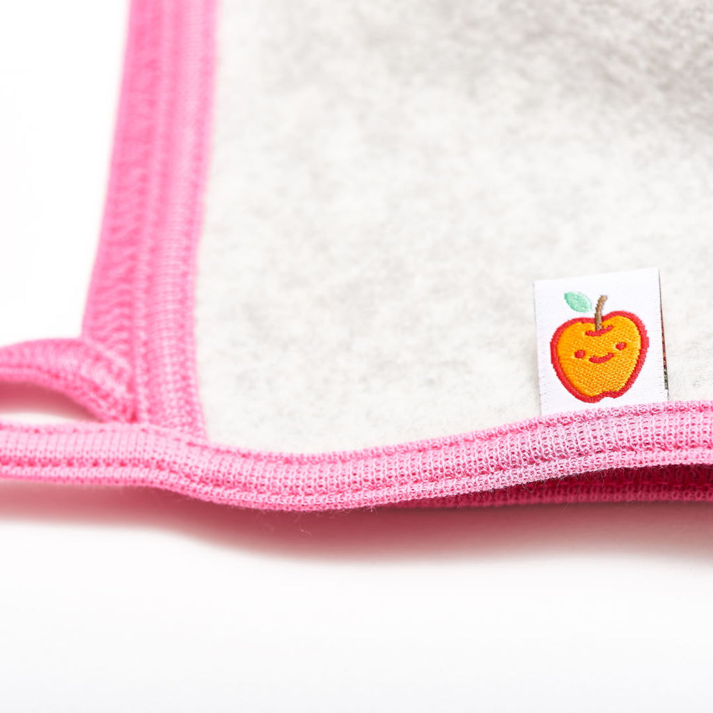 "Fleece baby hat with ear flaps ""Fleece Grey/Pink"" - Cheeky Apple"