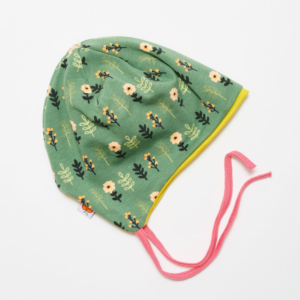 "Lined baby hat with ear flaps ""Apricot Flowers/Warm Olive"""
