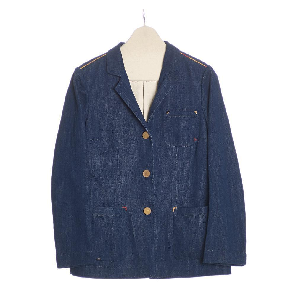 Men's indigo denim jacket with three copper buttons and three frontal pockets