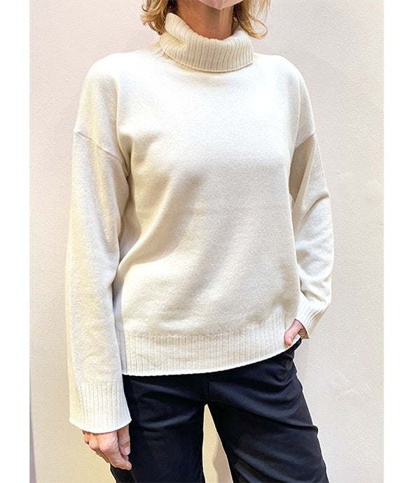Boyfriend Turtleneck Sweater - Ivory