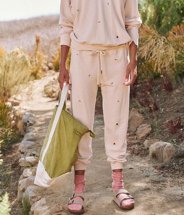 The Cropped Sweatpant - Tossed Floral Whisper Pink