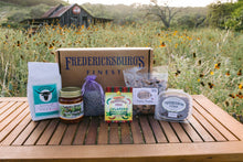 Load image into Gallery viewer, Taste of Fredericksburg Gift Box