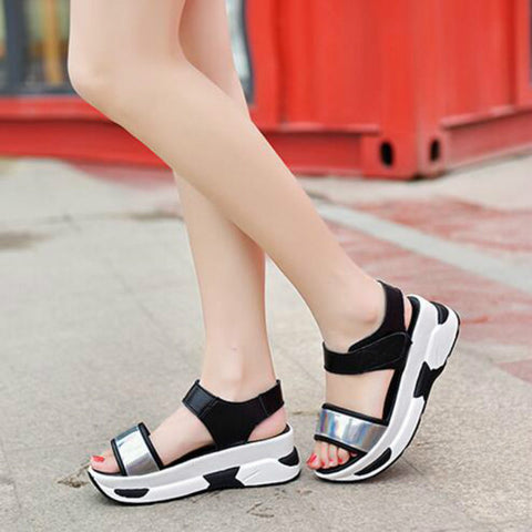 Wild Tide Casual Shoes Female Beach Student Hook&Loop Sandals