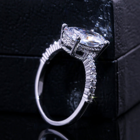 Huitan Oval Finger Ring Band Dazzling Brilliant CZ Stone