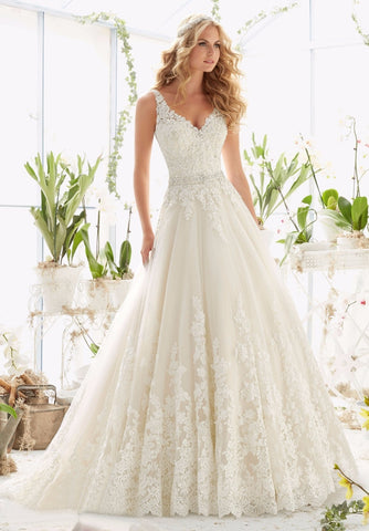Fashion Deep V Neck A-line Sleeveless Backless Lace Bridal Dress
