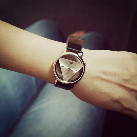 Fasion High Quality Unique Hollowed-out Triangular Dial Black Fashion Wrist Watch