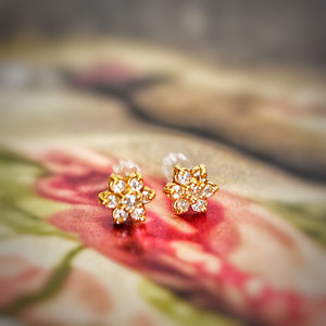 Super Sparkly Genuine Diamond Flower Studs
