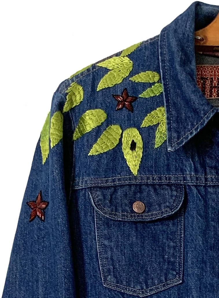 Couching tiger hidden X-stitch denim trucker jacket