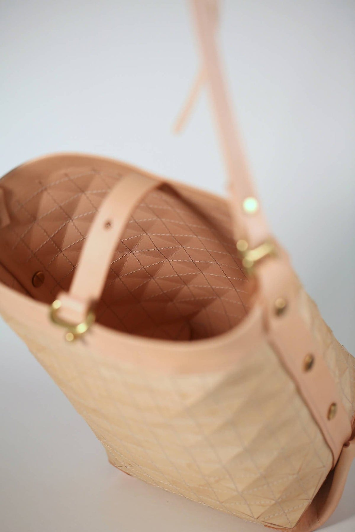 Bucket Bag in Natural