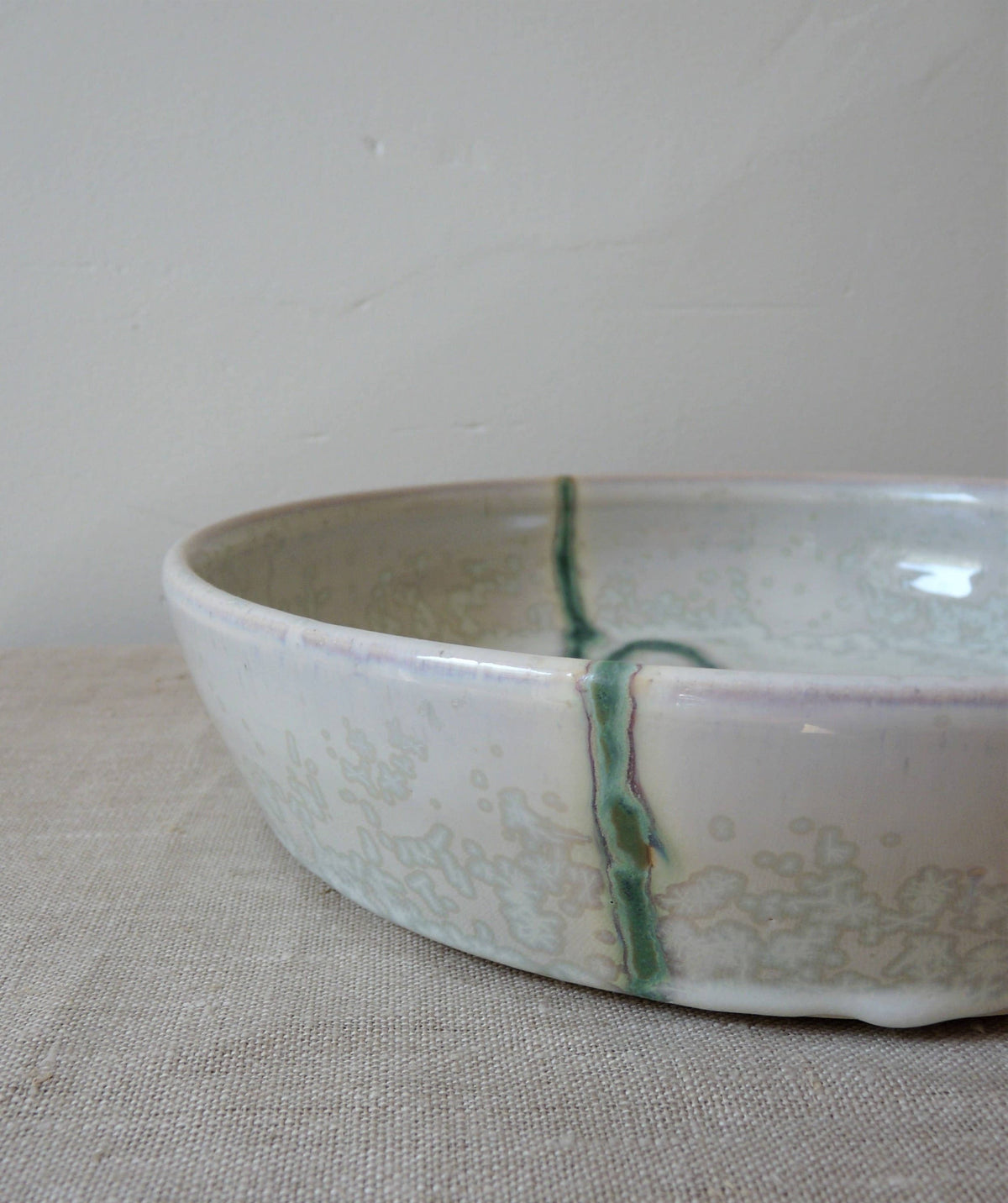 Seismic Wave Round Serving Dish