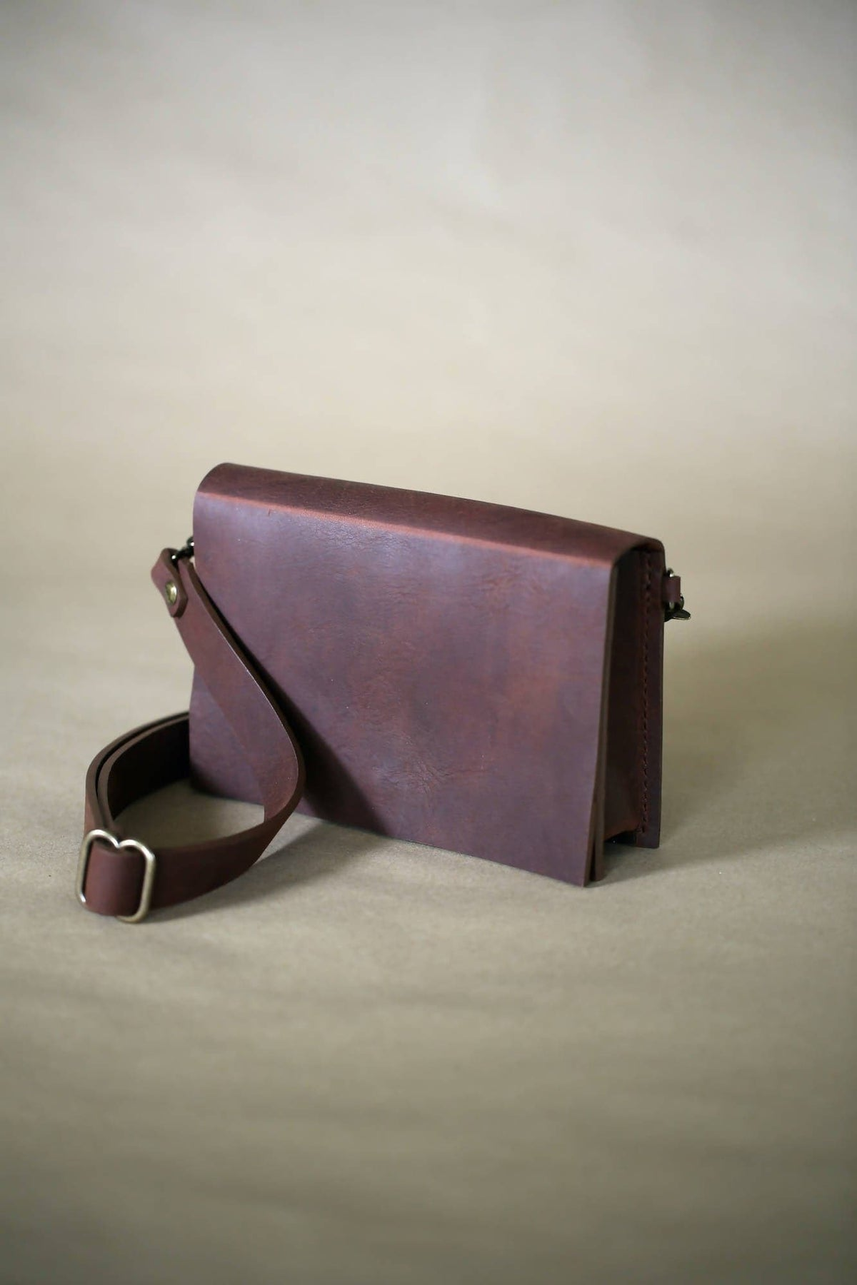 Brick Belt Bag in Tobacco