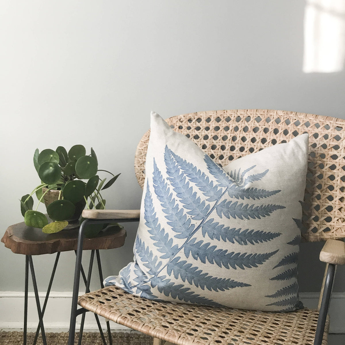 "Linen Fern Pillow - 24"" x 24"""