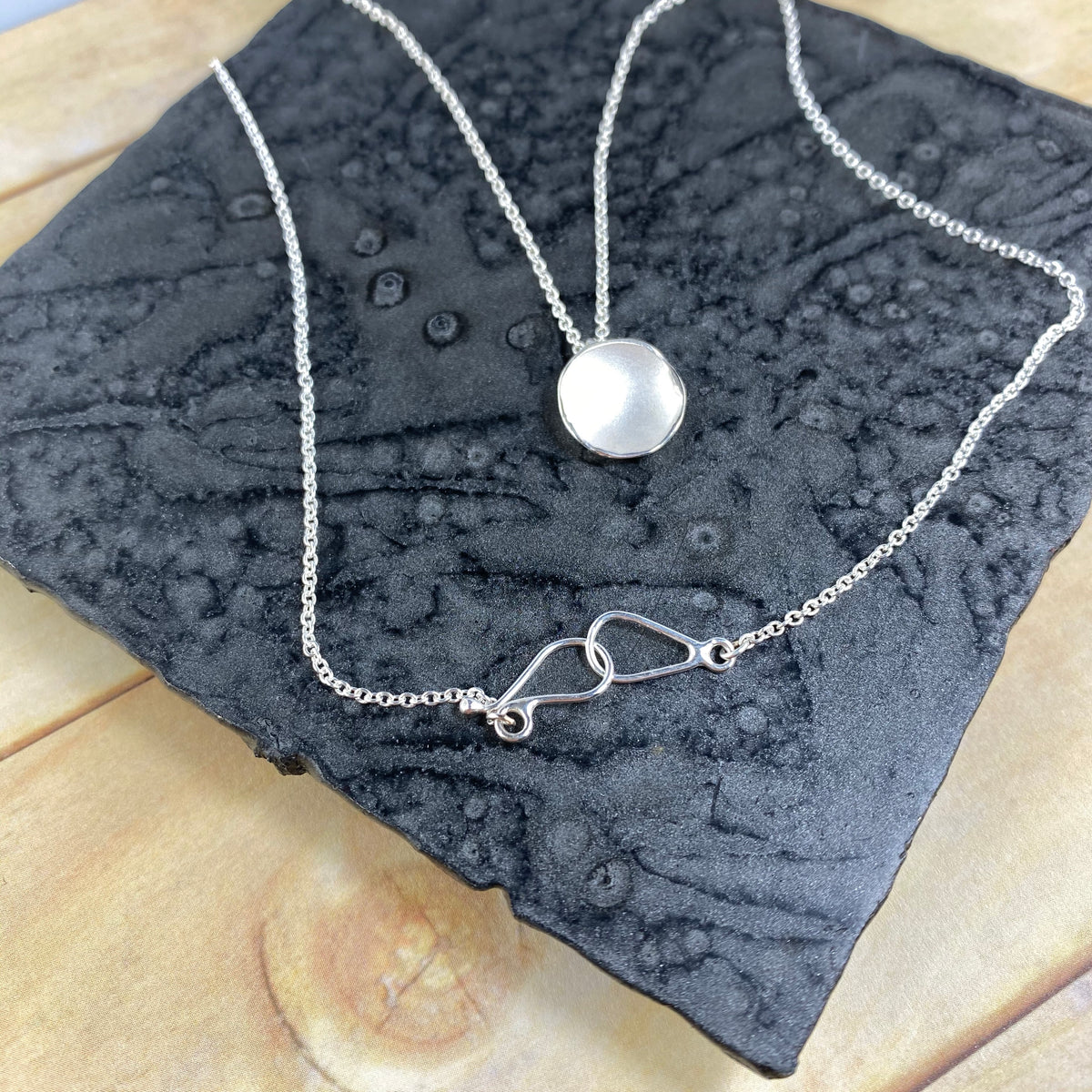 Medium Dishy Pod Pendant in Silver - Heart of the Home PA