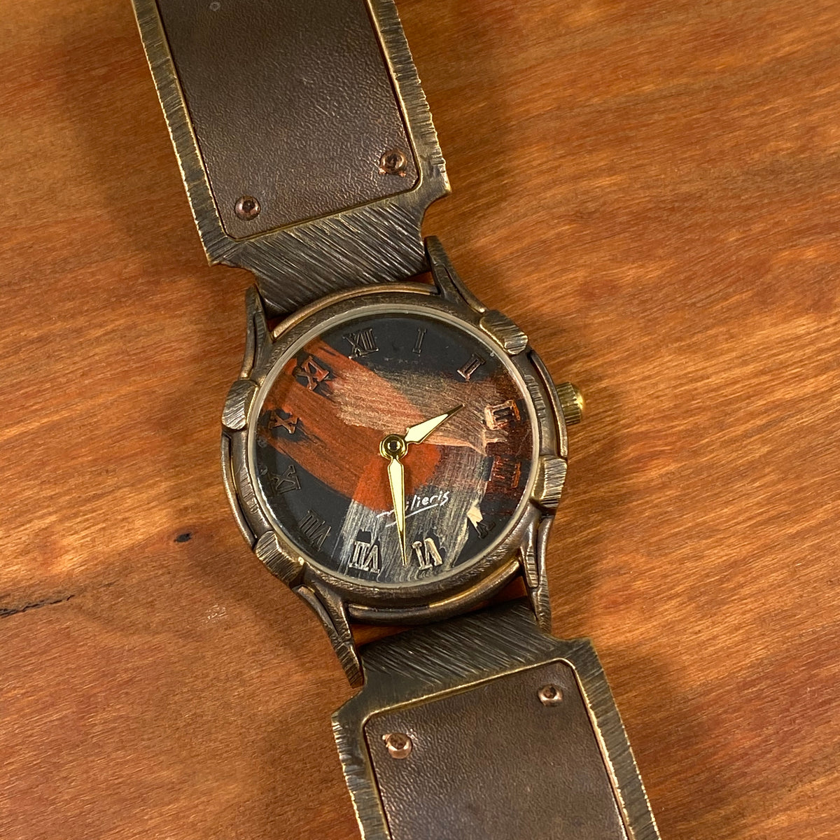 SLO2 Small Minstrel Watch - Heart of the Home PA