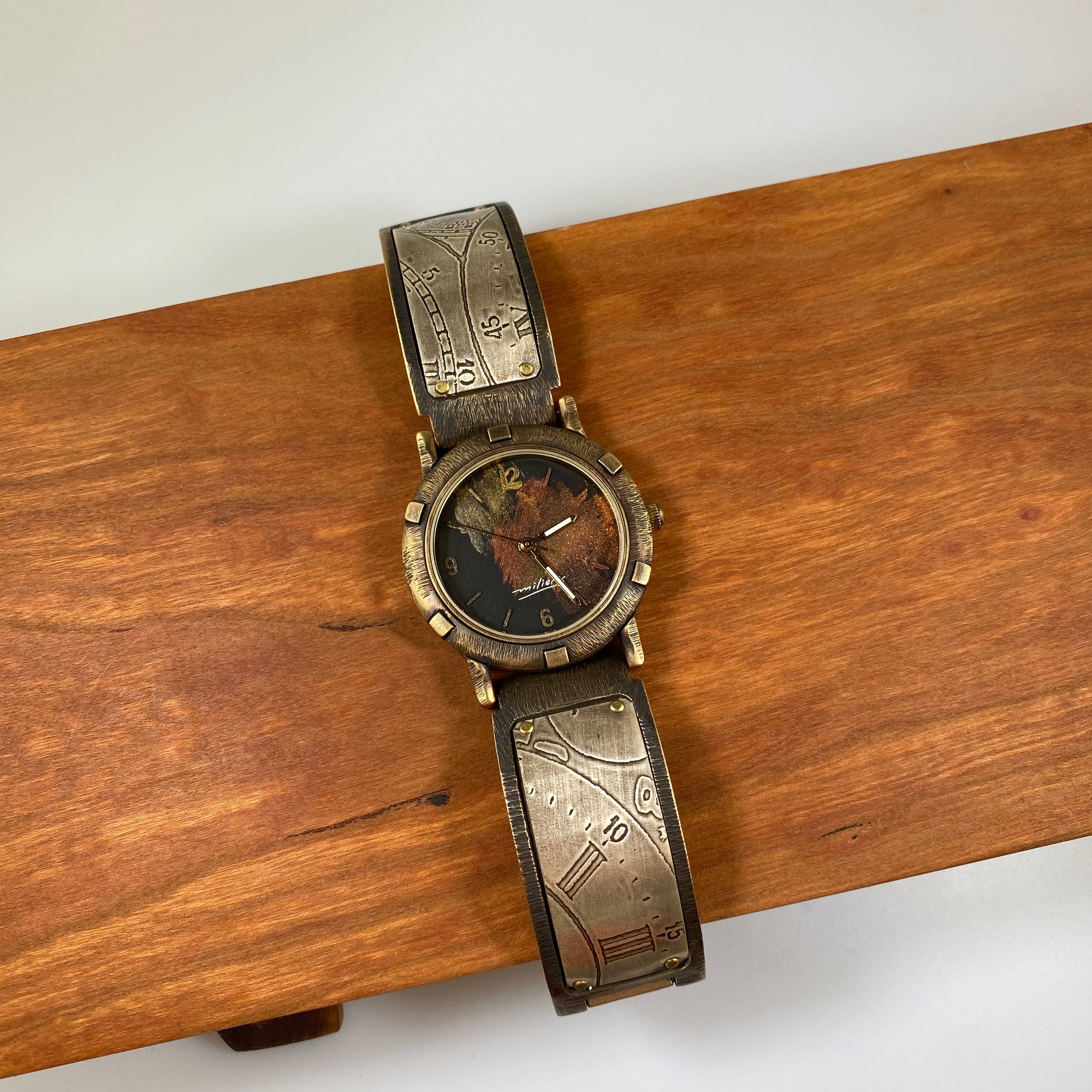 LF3 Large Porthole Watch - Heart of the Home PA