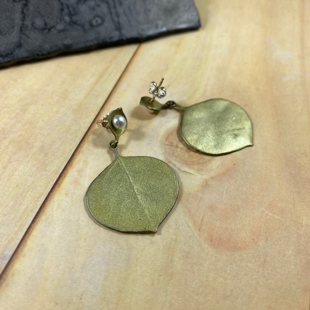 Round Leaf Eucalyptus Post Earrings - Heart of the Home PA