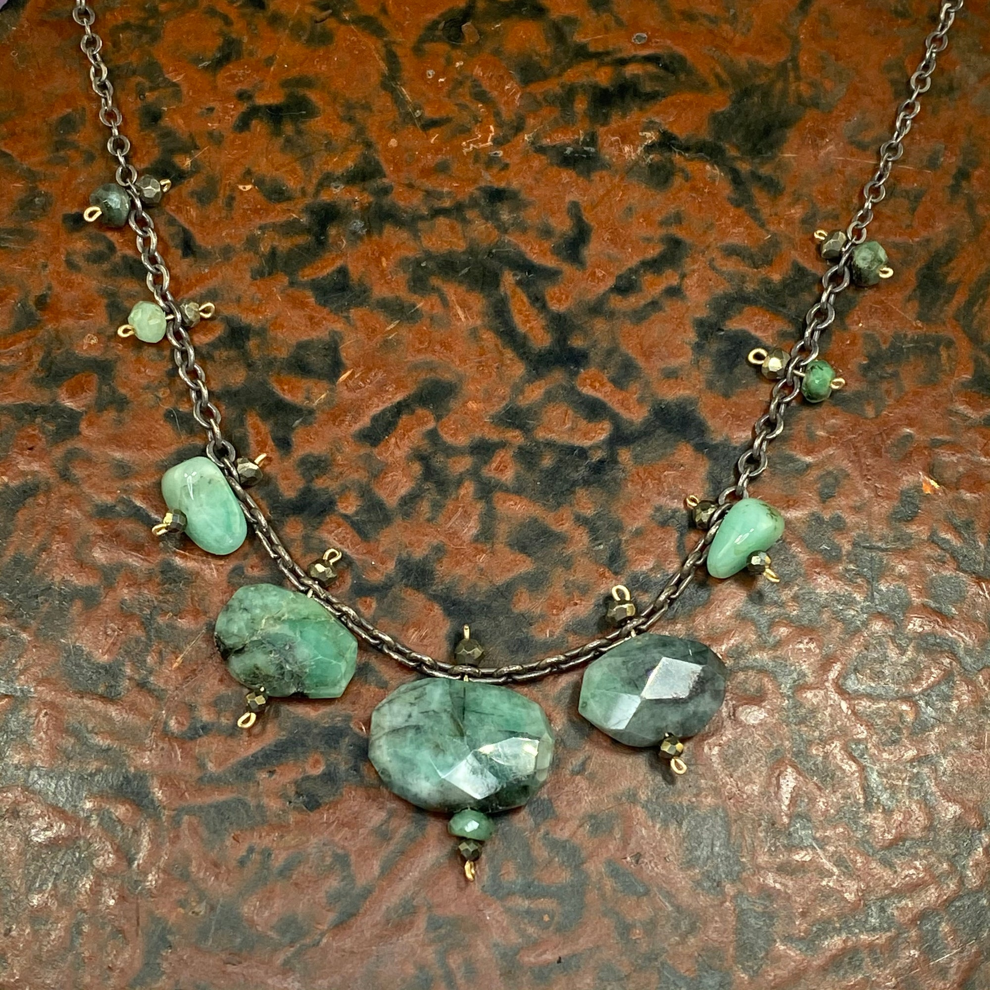Emerald Pond Necklace - Heart of the Home PA