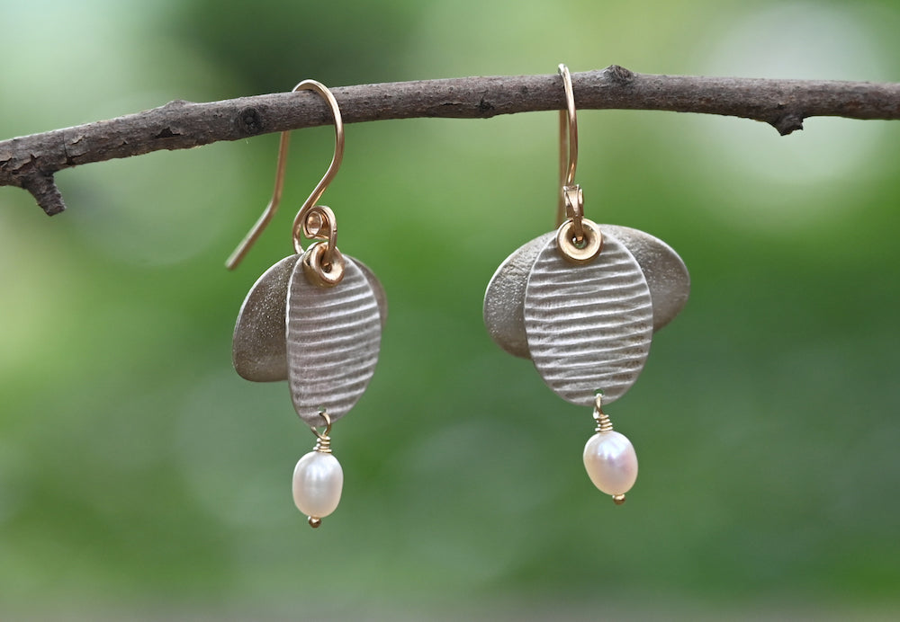 Flutter Ovals Pearl Earrings - Heart of the Home PA