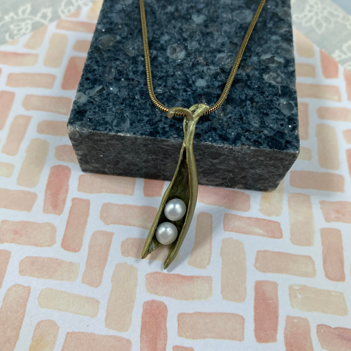 Pea Pod Pendant - 2 Pearls - Heart of the Home PA