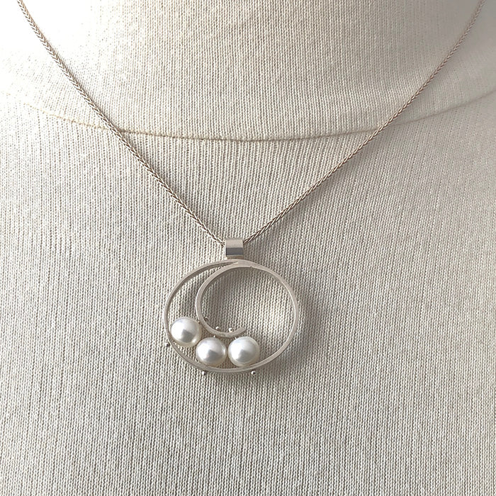 Medium Spiral Pendant with White Pearl - Heart of the Home PA