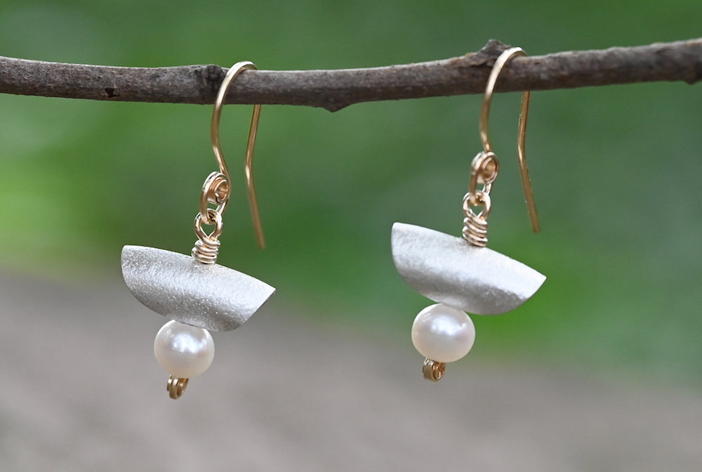 Pearl Dangle Earrings - Heart of the Home PA