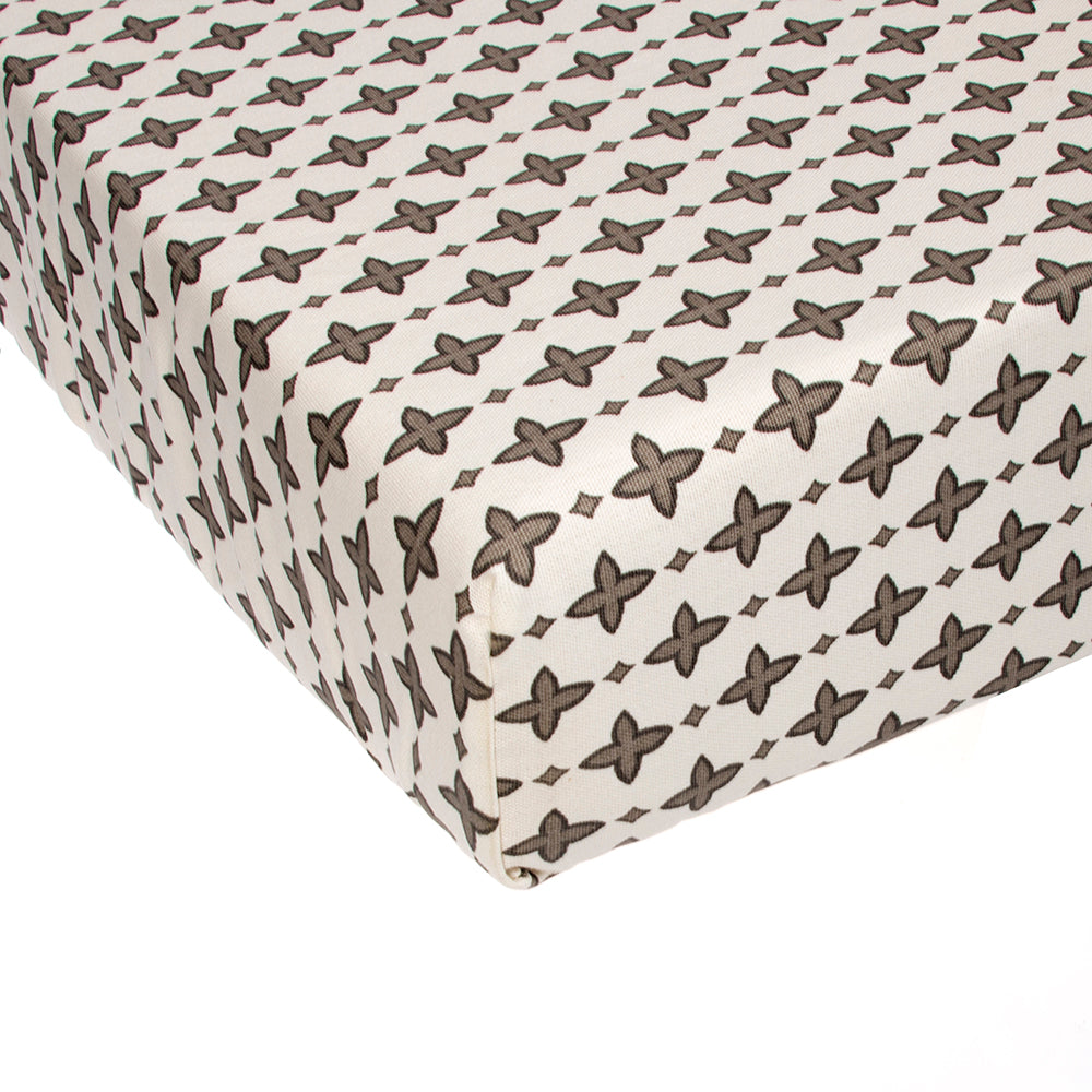 North Country Fitted Sheet (Emblem) - Shop Baby Slings & wraps, Baby Bedding & Home Decor !