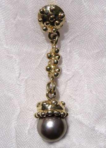 Granulated Dome/ Fish/ Cap/ Black Tahitian Pearl Earring