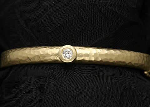 Ella Gyre Bangle(.25ctw)(18k)