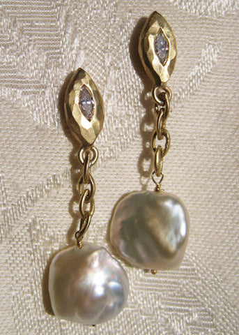 Countess Diamond Chain Baroque CoinPearl Earring(.30ctw)(18k)
