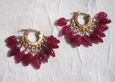 Carved Ruby Leaves Fringe Hoop(18krose)