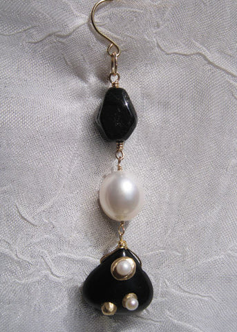 Black Tourmaline Pearl Encrusted Jet Pear Earring(18k)