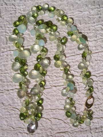 "Hampstead Ruffled 17"" Necklace(14k) (chrysoprase/mint quartz/peridot/peruvian opal/prehnite)"