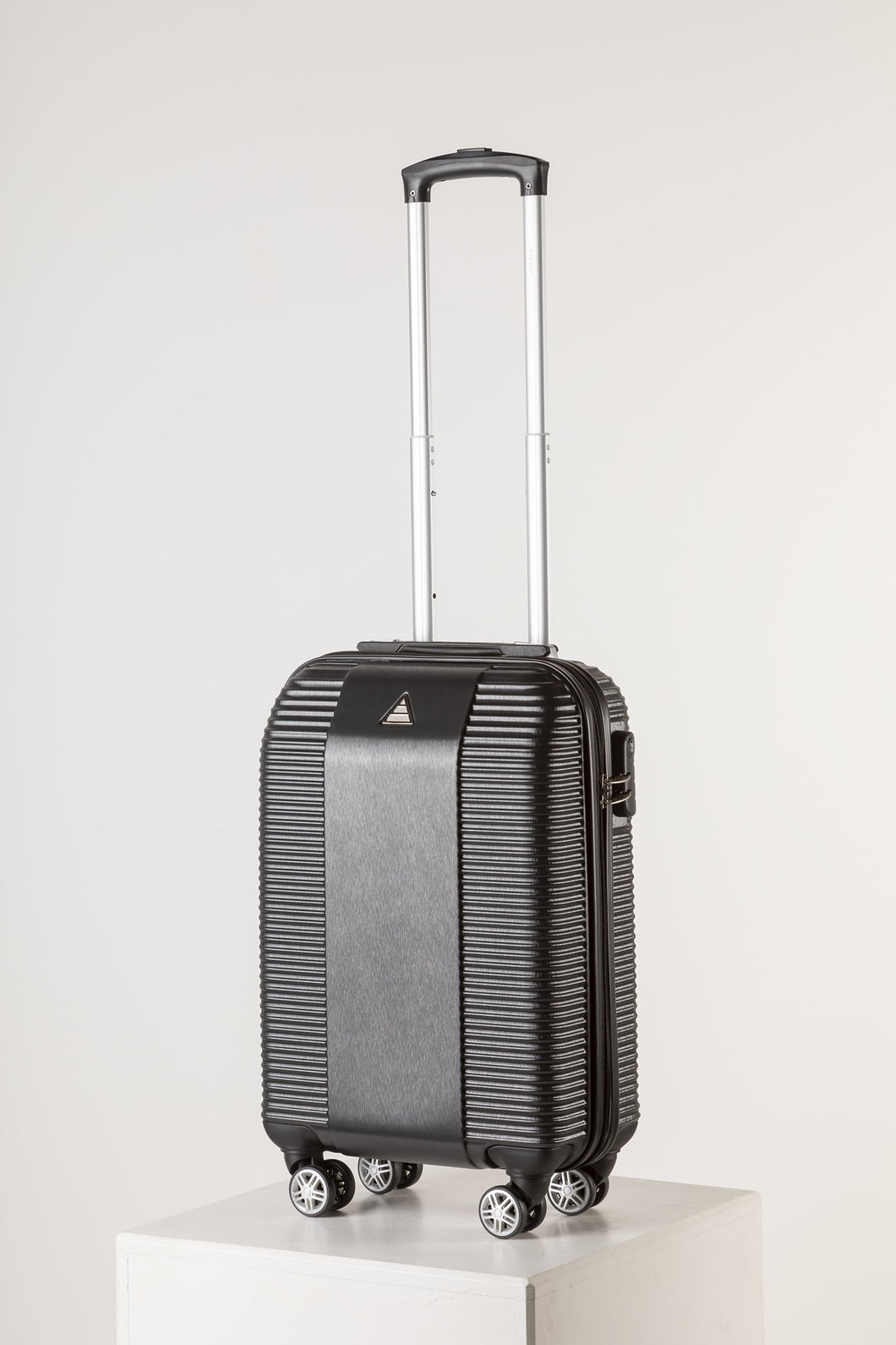 Lightweight Cabin Luggage - Runway Florence Suitcase Black