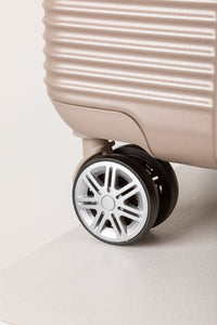 Lightweight Cabin Case With 360° Rolling Wheels Champagne