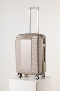 Large Lightweight Suitcase With Scratch Resistant Surface - Champane
